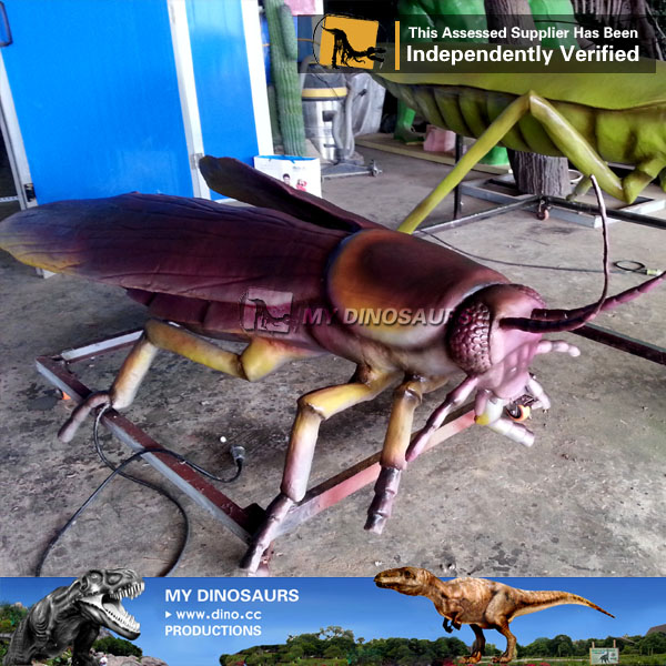 Simulation Animatronic Insect Cockroach Model