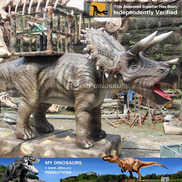 Animatronic Dinosaur Ride Triceratops Ride