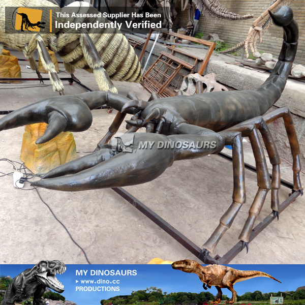 Park Giant Size Animatronic Insect Scorpin