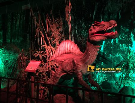 Simulation dinosaur exhibition