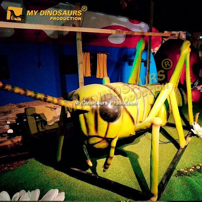 animatronic locust 1