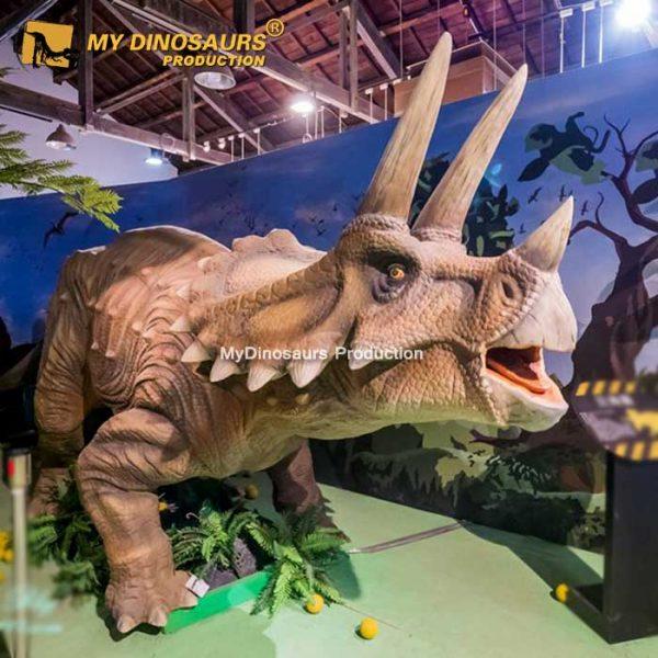animatronic triceratops (2)