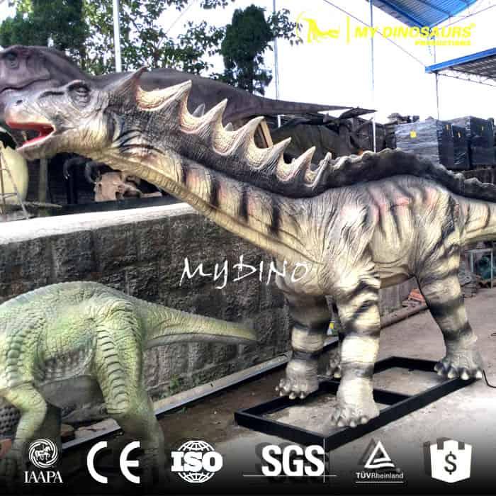 life size dinosaur Amargasaurus