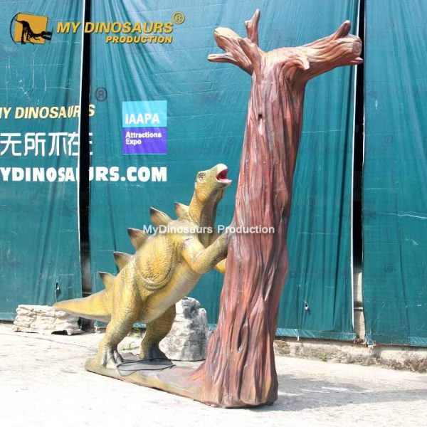 Stegosaurus with Tree 1