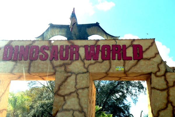 Dinosaur World4