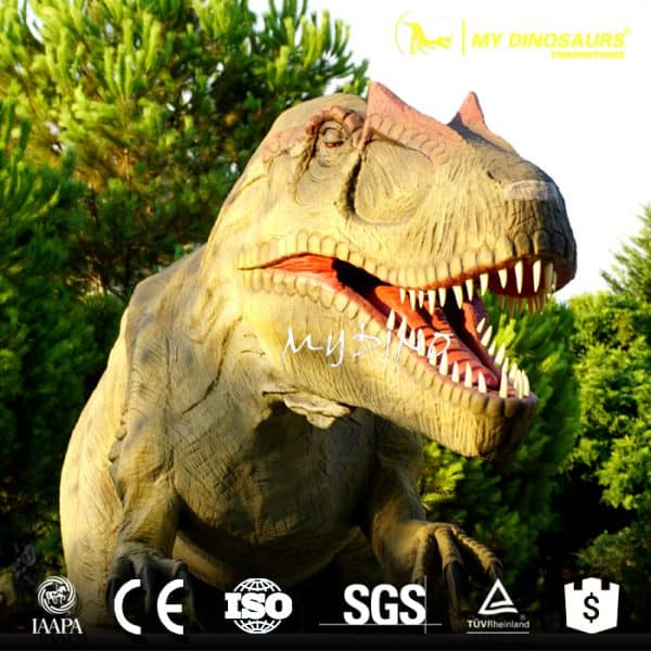 Animatronic dinosaur statue
