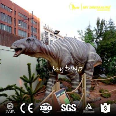 life size dinosaur iguanodon