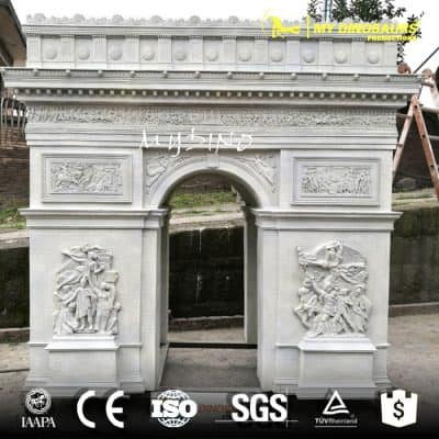Triumphal arch of paris in miniature