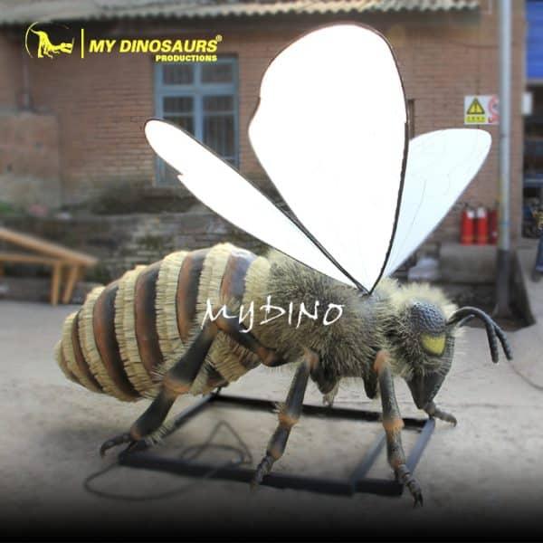 giant bee model