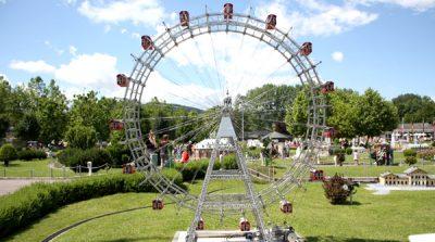 Miniature Ferris whee