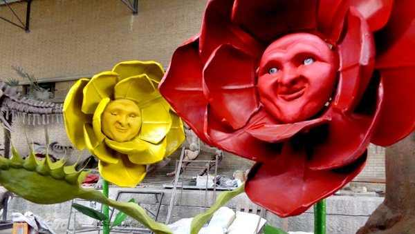 flower face statue