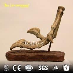 Velociraptor claws 1
