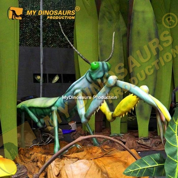 animatronic big mantis