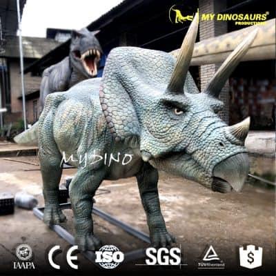 animatronics triceratops model