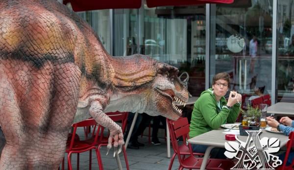 dinosaur costume for restaurant 1