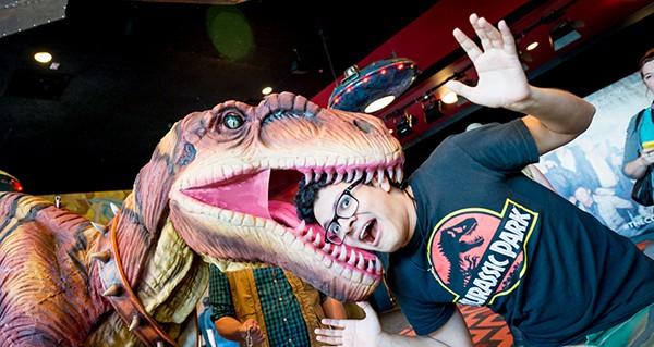 dinosaur costume for restaurant