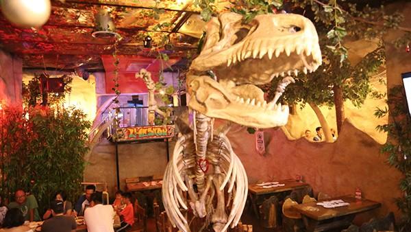 dinosaur skeleton for restaurant