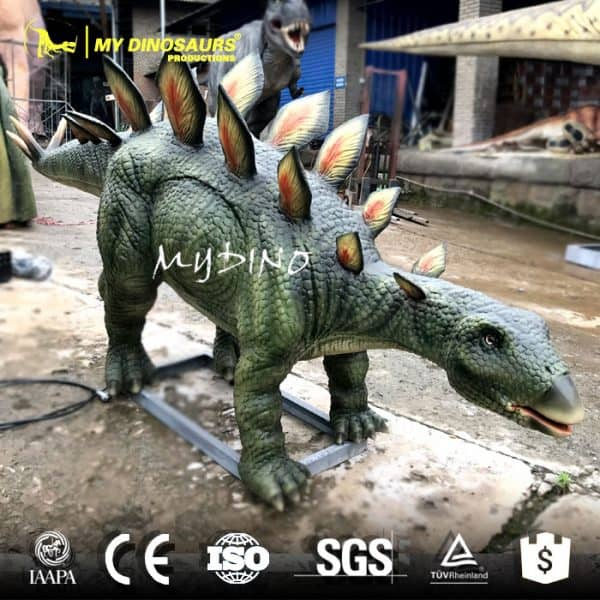 life size dinosaur stegosaurus