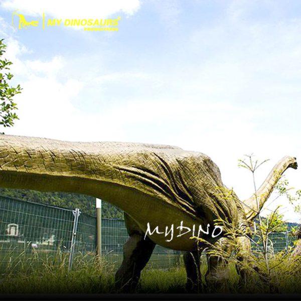 Omeisaurus model
