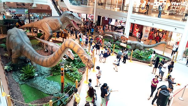 sgopping mall dinosaur exhibition