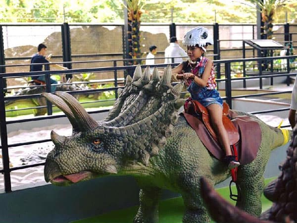 Shopping mall dinosaur ride