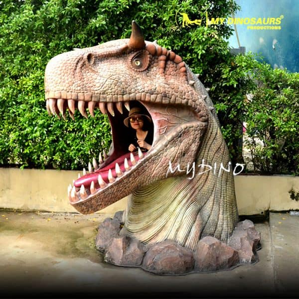 Dinosaur head statue 1