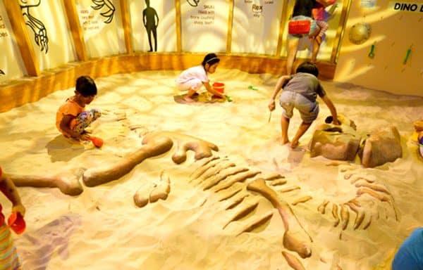 animatronic dinosaur park 1