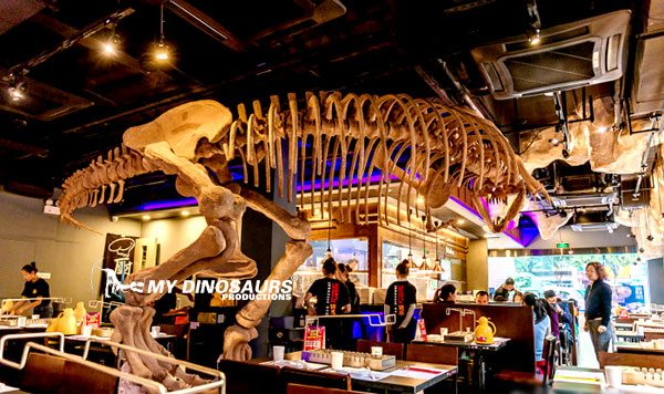 Dinosaur themed restaurant