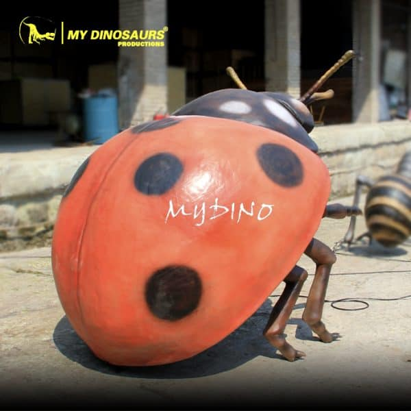 realistic lifesize insect