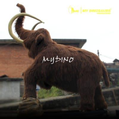 Animatronic animal mammoth