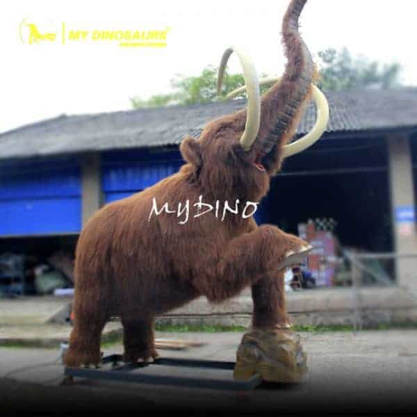 Mammoth with fur 600x600