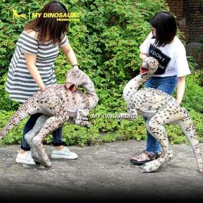 walking dinosaur puppet 3 400x400