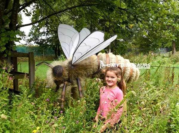 animatronic giant bee