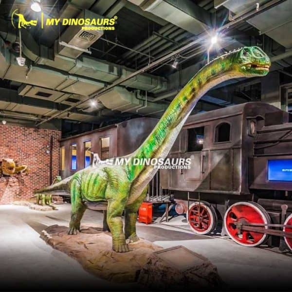 Life size dinosaur Paralititan 2