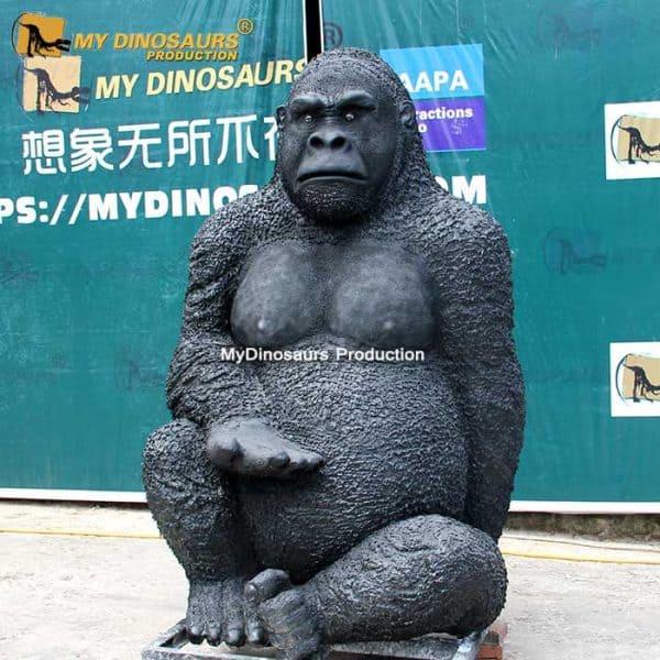 kingkong statue 2