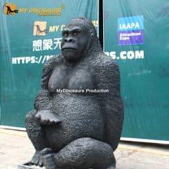 kingkong statue 3