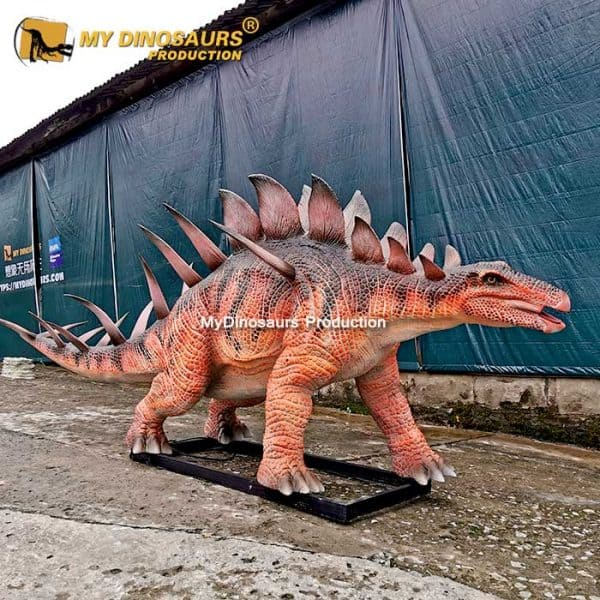Realistic Kentrusaurs model