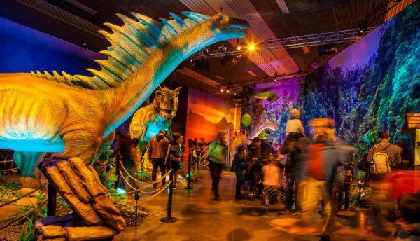 dinosaur exhibition tour