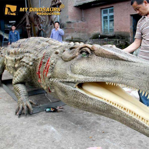 animatronic Deinosuchus 1