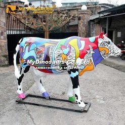 Cow parade cow statue