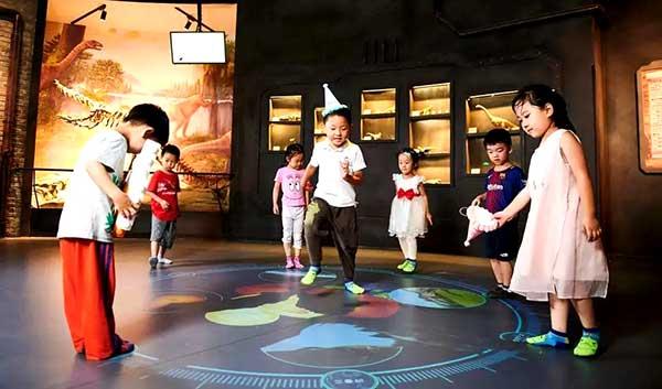 Project Showcase Dinosaur Club 7